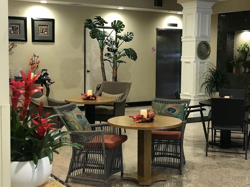 GreenTree Inn & Suites Alhambra