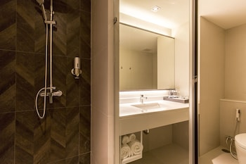 X2 Vibe Bangkok Sukhumvit Hotel - Bathroom  - #0