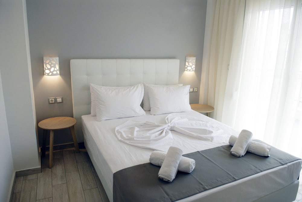 Litsa Apartments