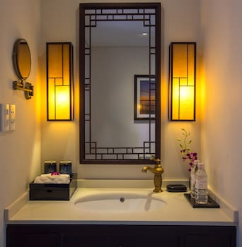 Little Hoian Central Boutique Hotel & Spa - Bathroom Sink  - #0