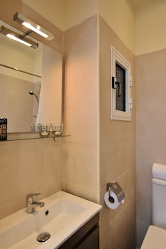 Valletta Boutique Living Standard Apts - Bathroom Sink  - #0