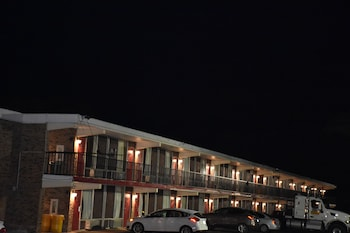 Corinth Inn & Suites - Hotel Front - Evening/Night  - #0