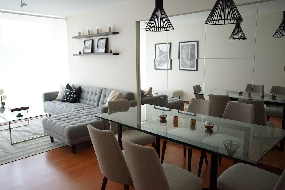 Miraflores Luxury Apartments - Del Solar
