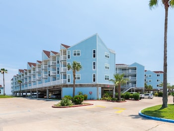 Beachfront Condo at Seascape Resort by RedAwning