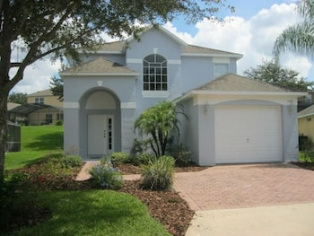 Photo for Beautiful Vacation Home Especially Convenient in Haines City, Florida