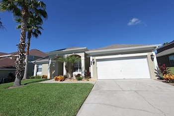 Luxury Home Close by Theme Parks in Haines City, Florida