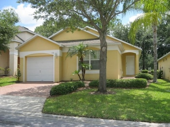 Excellent Home with Golf Course View in Haines City, Florida