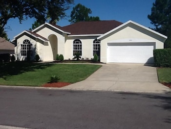 Very Comfortable Villa Close by Theme Parks in Haines City, Florida