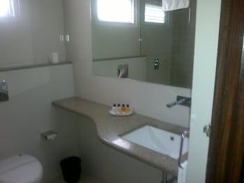 RnB Select Empire Regency Jaipur - Bathroom  - #0