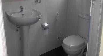 Clouds Meadow Inn - Bathroom  - #0