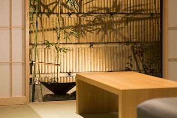RESISTAY Gion Shijo - Featured Image  - #0