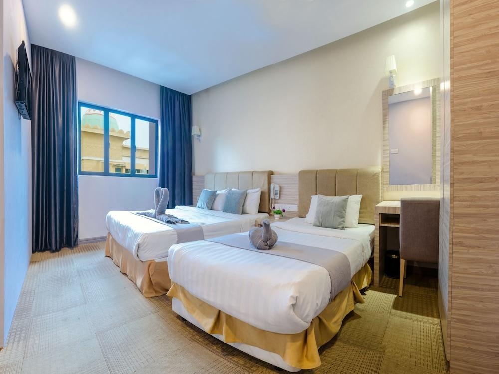 GM Grand Moments Hotel