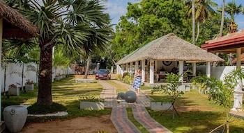 Palm Resort Nilaveli - Porch  - #0