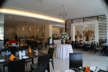 Puteri Garden Hotel - Restaurant  - #0