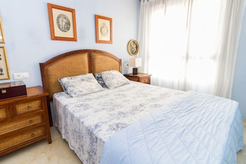 Alfonso Reyes Apartment - Málaga Harbour - Featured Image  - #0