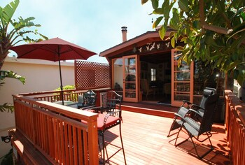 1521 W Balboa Blvd 68164 by RedAwning