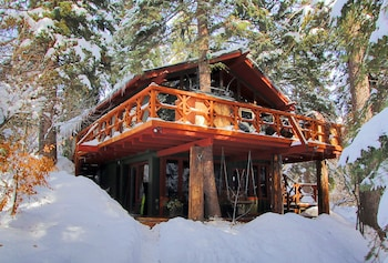 Treehouse by the Stream in Sundance, Utah