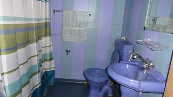 Kharpalace group of houseboats - Bathroom  - #0
