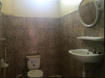 Real Vang Vieng Backpacker Hostel - Bathroom  - #0