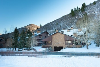 1BR 1 5BA Tranquil Deer Valley Condo Park City by RedAwning