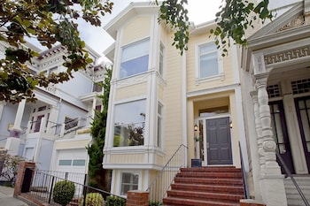 4BR 3BA Stylish Pacific Heights House by RedAwning