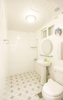 Melon Guesthouse - Hostel - Bathroom  - #0