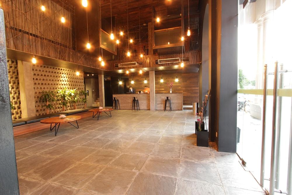 Yazhou Foryou Hotel