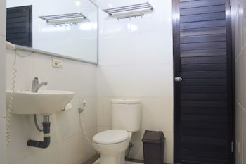 Airy Tugu Adipura Jendral Suprapto 19 Bandar Lampung - Bathroom  - #0