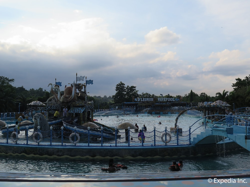 D'Leonor Inland Resort & Adventure Park