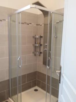 Brand New Villa in the city center - Bathroom  - #0