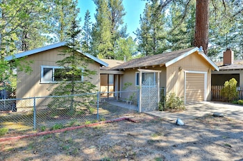 Charming 3BR Tahoe Home Prime Spot Short Walk to Regan Beach by RedAwn