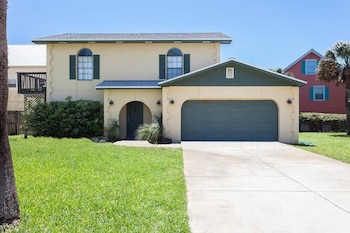 Seaside Bungalow 3 bedrooms Beach Side Vilano Beach St Augustine by Re