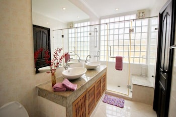 Butterfly Garden Boutique Residence by Frasier - Bathroom  - #0