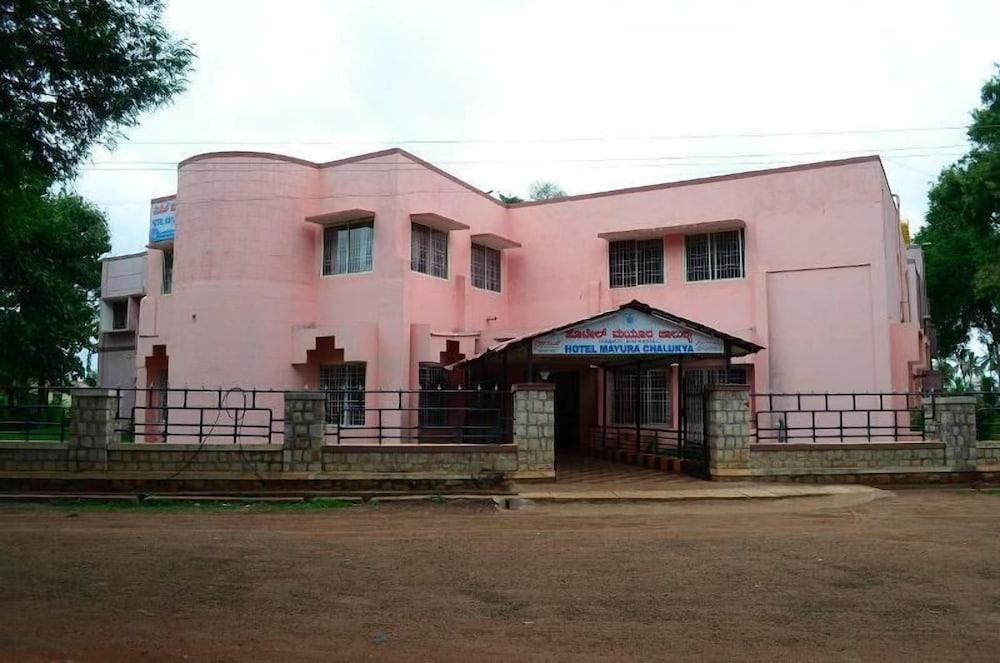 KSTDC Hotel Mayura Chalukya Badami