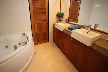Butterfly Garden Boutique Residences by Luxury View - Bathroom  - #0