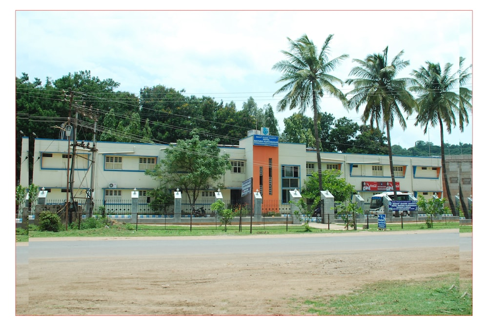 KSTDC Hotel Mayura Vijayanagara