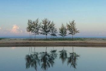 Wanakarn Beach Resort & Spa