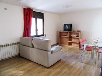 Apartamentos Pantebre 3000