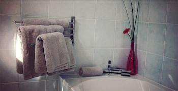Hotel La Carpe D'or - Bathroom  - #0