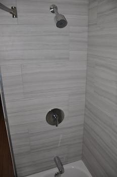 Maple Motel Hesperia - Bathroom  - #0