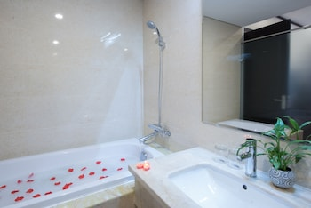 Thang Long Opera Hotel - Bathroom  - #0