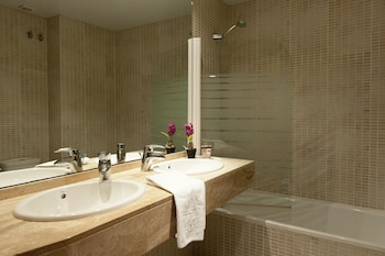MH Apartments Gracia - Bathroom  - #0
