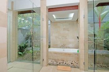 ZEN Rooms Pengosekan Ubud Villa - Bathroom  - #0