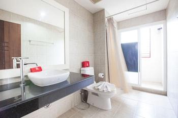 ZEN Rooms Chaofa East Road - Bathroom  - #0
