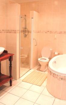 African Aquila Lodge - Bathroom Shower  - #0