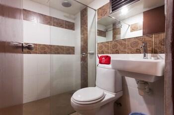 ZEN Rooms Jalan Bunus - Bathroom  - #0