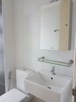 LK De Centrum 2 Bedroom Suites Apartment - Bathroom  - #0