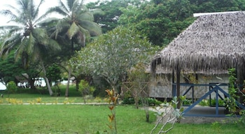 Lonnoc Bamboo Bungalow
