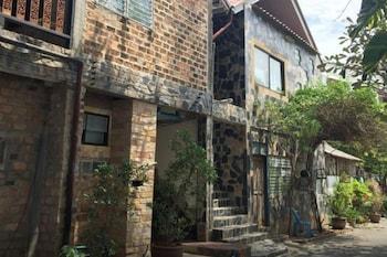 Baan Thai Homestay by bGb Villas - Hostel - Exterior  - #0