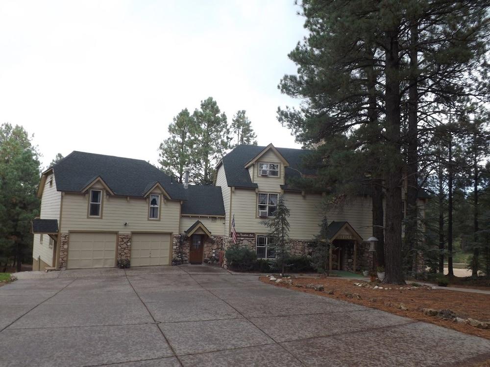 Arizona Mountain Inn and Cabins